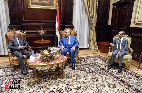 بالصور المستشار عبدالوهاب عبدالرازق رئيس مجلس الشيوخ يسقبل المستشار عمر مروان وزير العدل  ( (4)