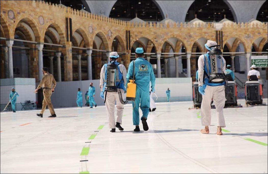 الاستعدادات في المسجد الحرام والنبوى لصلاة الجمعة غدا (2)