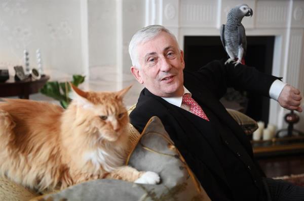 هويل أطلق على حيواناته أسماء ساسة بريطانيا