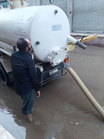 أعمال كسح مياه الأمطار (15)