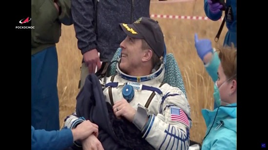 أحد رواد الفضاء