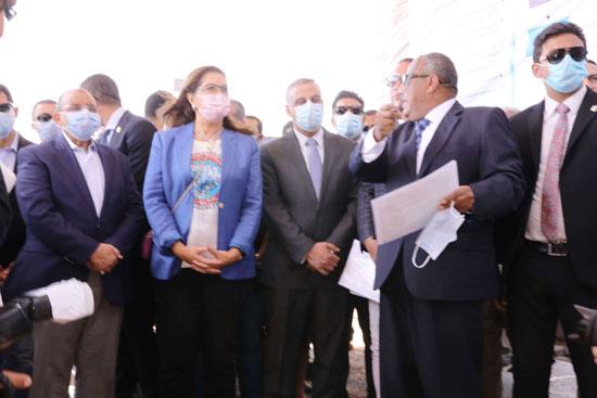 4 من الوزراء فى سوهاج لمتابعة مشروعات برنامج التنمية المحلية لصعيد مصر (49)