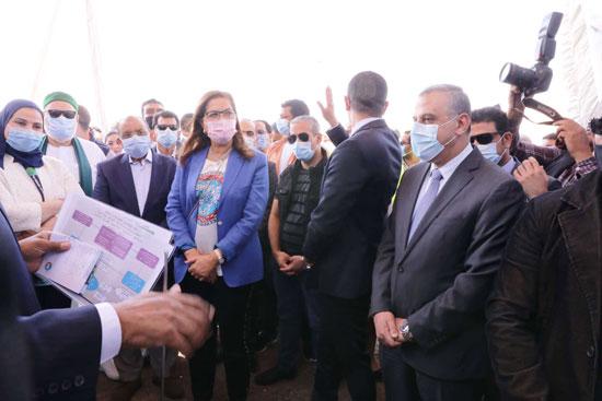 4 من الوزراء فى سوهاج لمتابعة مشروعات برنامج التنمية المحلية لصعيد مصر (43)