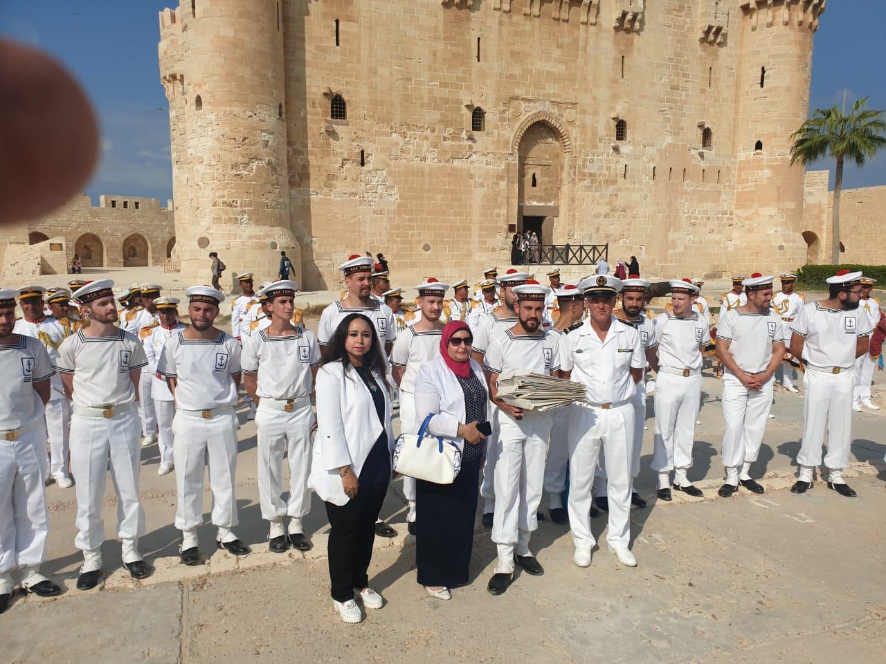 فرقة الموسيقى التراثية للبحرية الفرنسية بقلعة قايتباى (4)