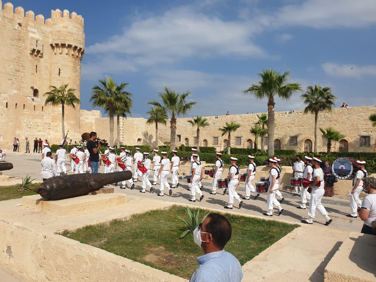 فرقة الموسيقى التراثية للبحرية الفرنسية بقلعة قايتباى (5)