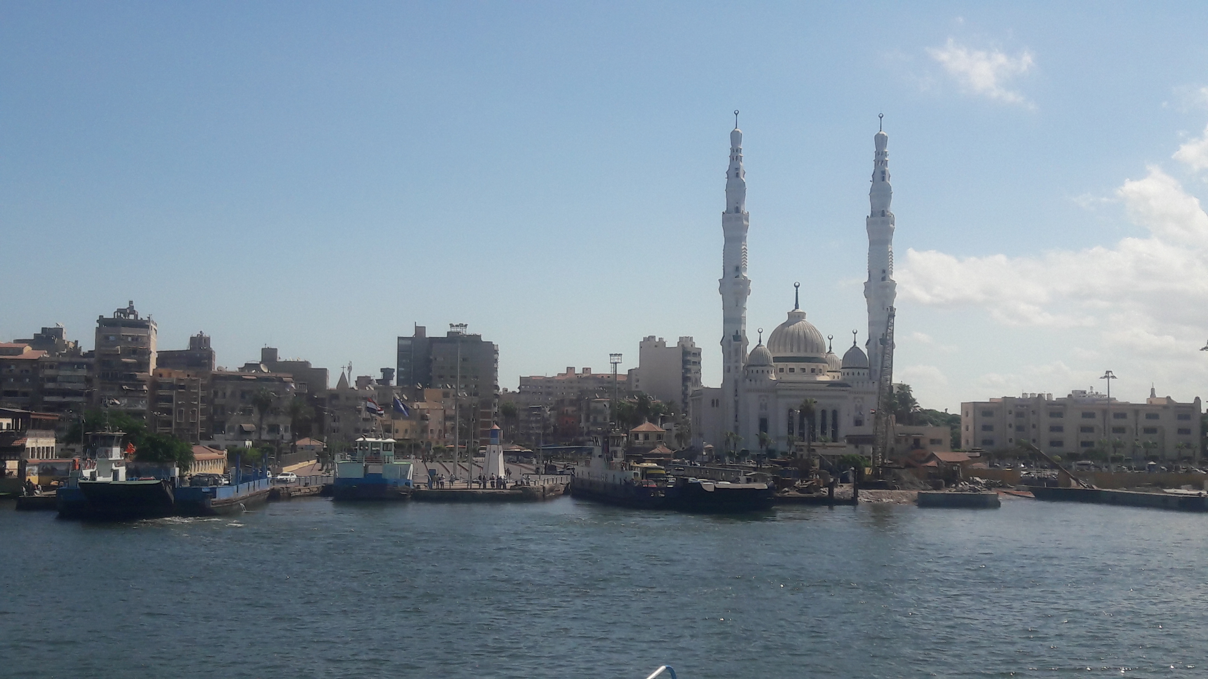 طقس معتدل دافئ على مدينتى بورسعيد وبورفؤاد  (1)