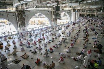 اصطفاف المصلين فى المسجد الحرام
