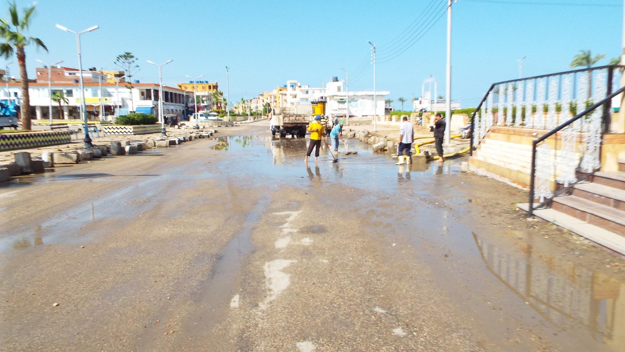 رفع مياه الأمطار من الشوارع  (11)