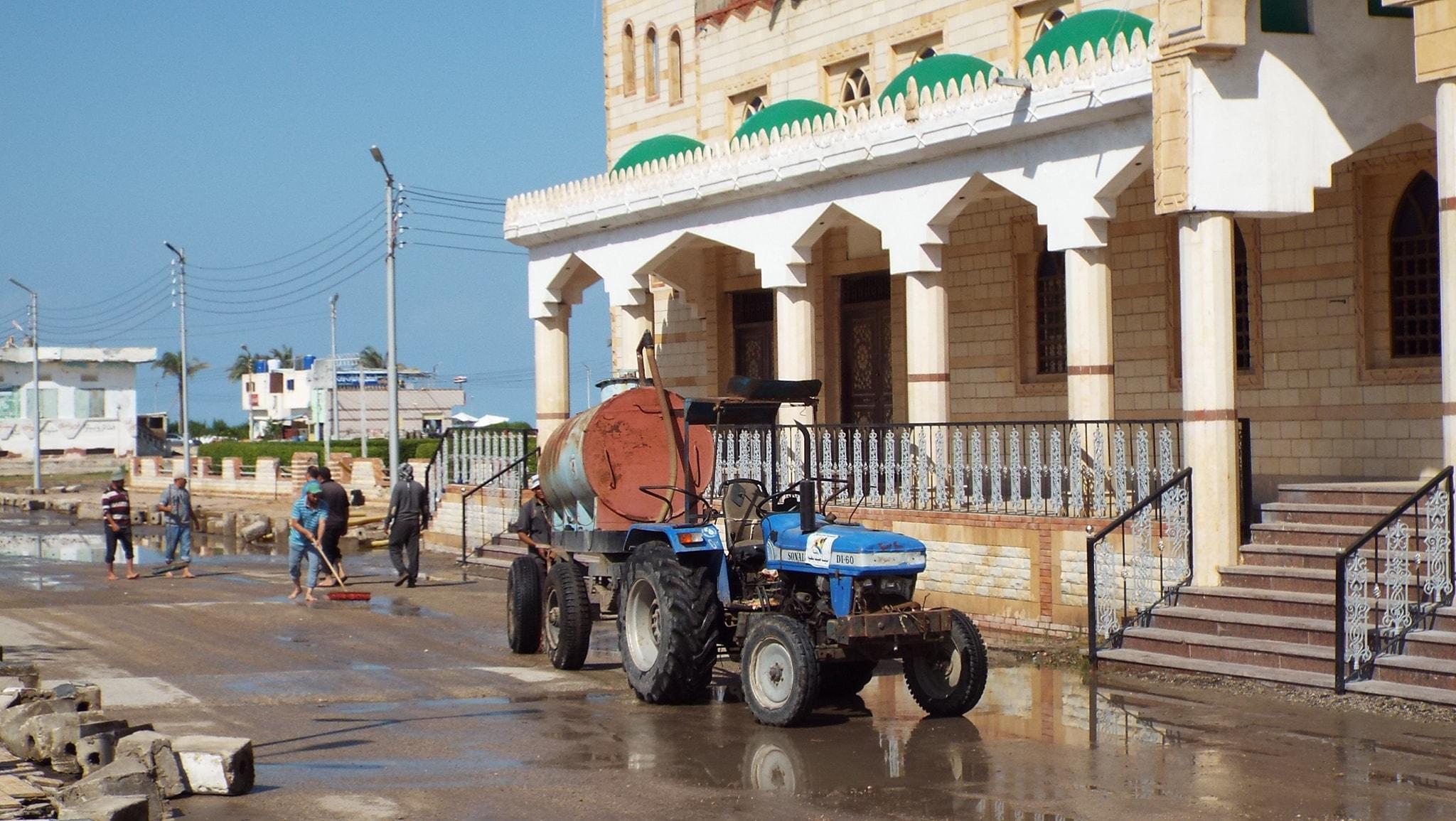 رفع مياه الأمطار من الشوارع  (10)