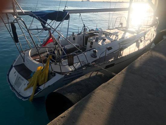 القوات-البحرية-المصرية-تنقذ-مركبا-يرفع-العلم-التركى-فى-عمق-البحر-المتوسط-(5)