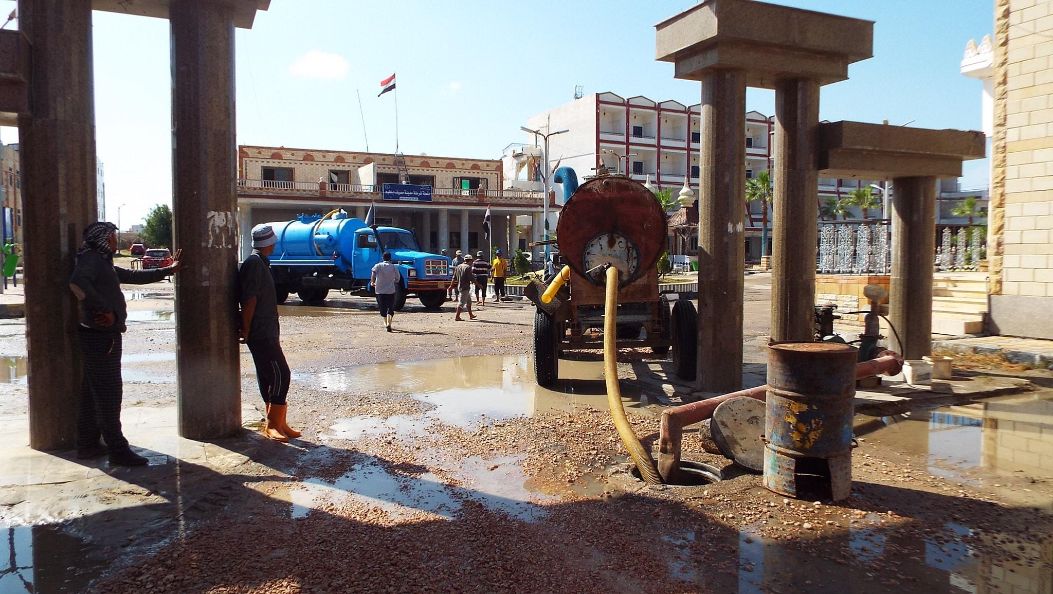 رفع مياه الأمطار من الشوارع  (9)
