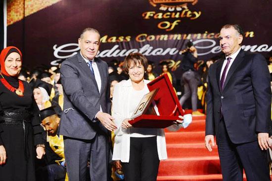 حفل-تخرج-كلية-الإعلام-بجامعة-مصر-2020-(65)