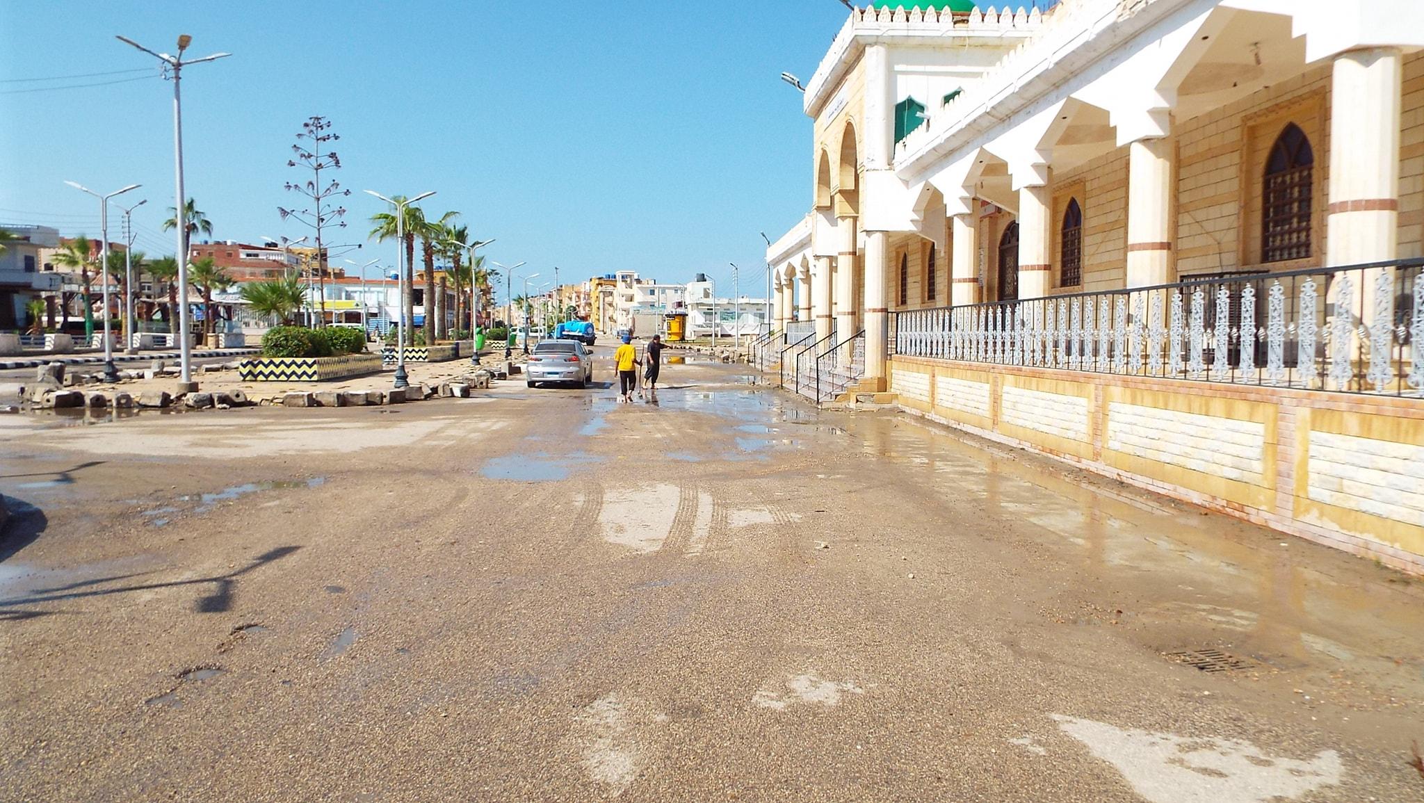 رفع مياه الأمطار من الشوارع  (3)