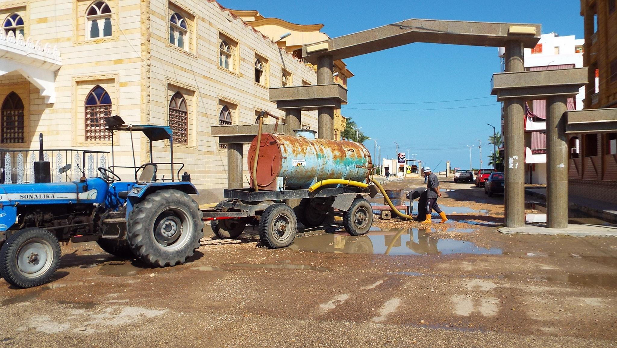 رفع مياه الأمطار من الشوارع  (5)