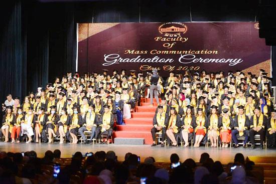 حفل-تخرج-كلية-الإعلام-بجامعة-مصر-2020-(4)