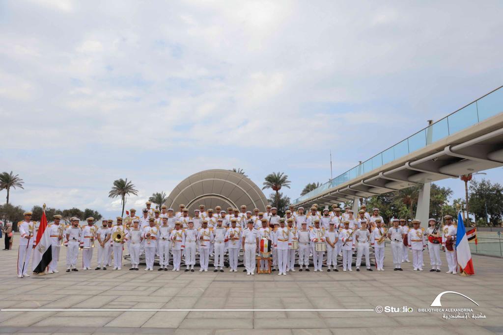 عروض لفرقة الموسيقى العسكرية للبحرية الفرنسية بمكتبة الإسكندرية (4)
