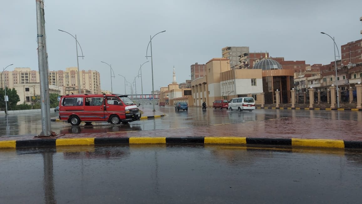 هطول أمطار غزيرة وسط الإسكندرية  (1)