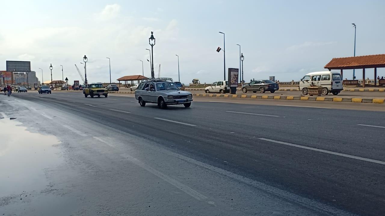 سيولة مرورية على كورنيش الإسكندرية  (3)