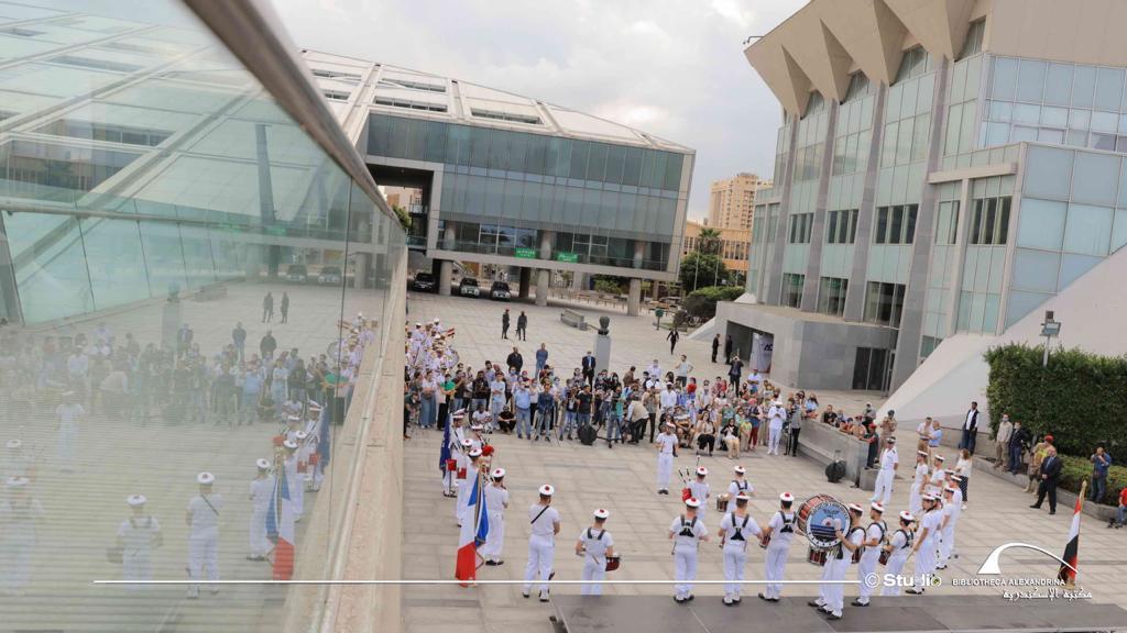 عروض لفرقة الموسيقى العسكرية للبحرية الفرنسية بمكتبة الإسكندرية (5)