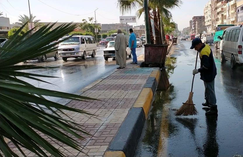 كسح مياه الأمطار من الشوارع الرئيسية بالإسكندرية (1)