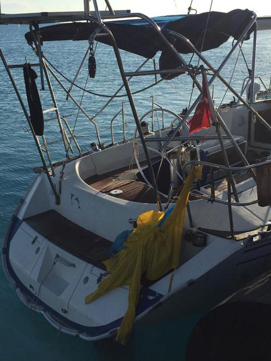 القوات-البحرية-المصرية-تنقذ-مركبا-يرفع-العلم-التركى-فى-عمق-البحر-المتوسط-(7)