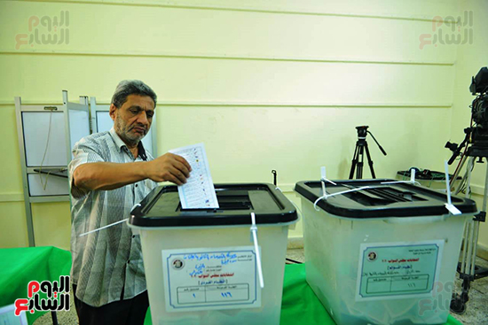 انتخابات النواب بلجنة كلية الطفولة في الدقى (5)