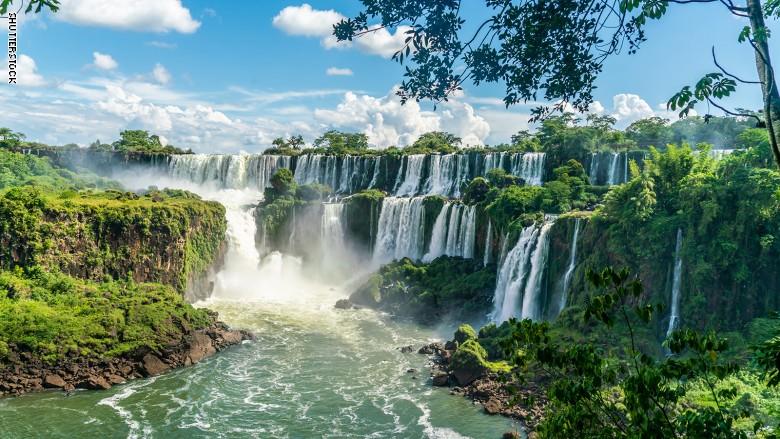 شلالات إجوازو فى الأرجنتين والبرازيل