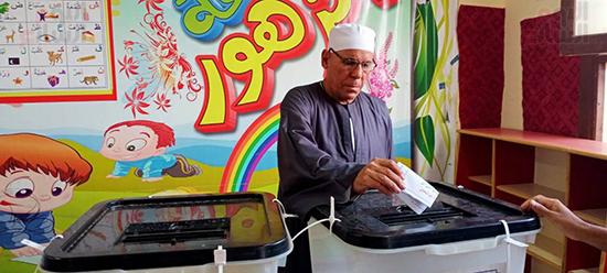 مشاركة كبار السن في انتخابات مجلس النواب بالعياط