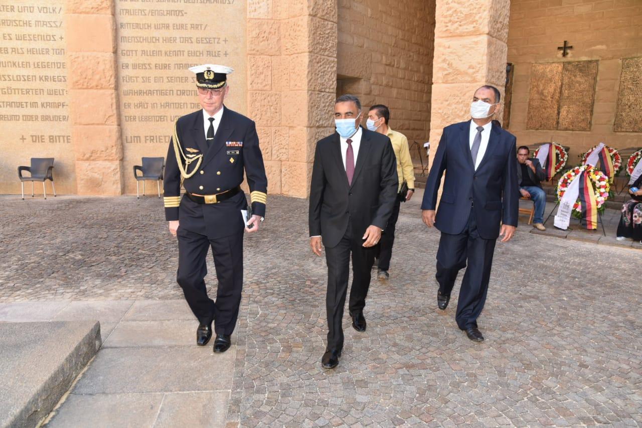 محافظ مطروح وسفير ألمانيا بالقاهرة يشهدان احتفالية ذكرى ضحايا معركة العلمين (1)