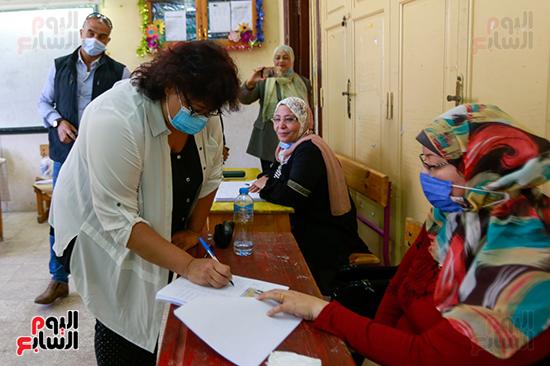 الدكتورة إيناس عبد الدايم وزيرة الثقافة  (6)