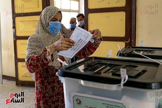 زحام الناخبين على لجان التصويت (5)