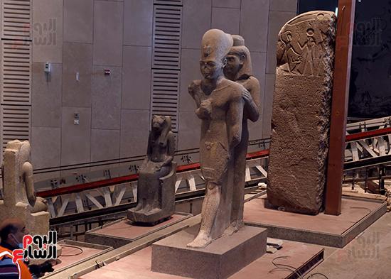 الدكتور مصطفى مدبولى رئيس الوزراء يزور المتحف المصرى الكبير (15)