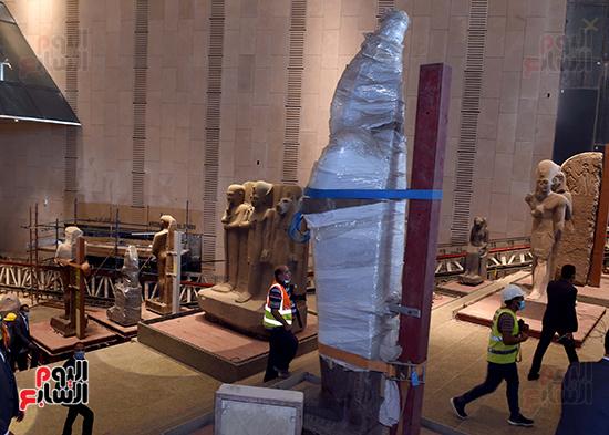 الدكتور مصطفى مدبولى رئيس الوزراء يزور المتحف المصرى الكبير (14)