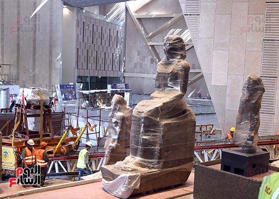 الدكتور مصطفى مدبولى رئيس الوزراء يزور المتحف المصرى الكبير (10)
