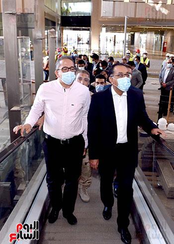 الدكتور مصطفى مدبولى رئيس الوزراء يزور المتحف المصرى الكبير (7)