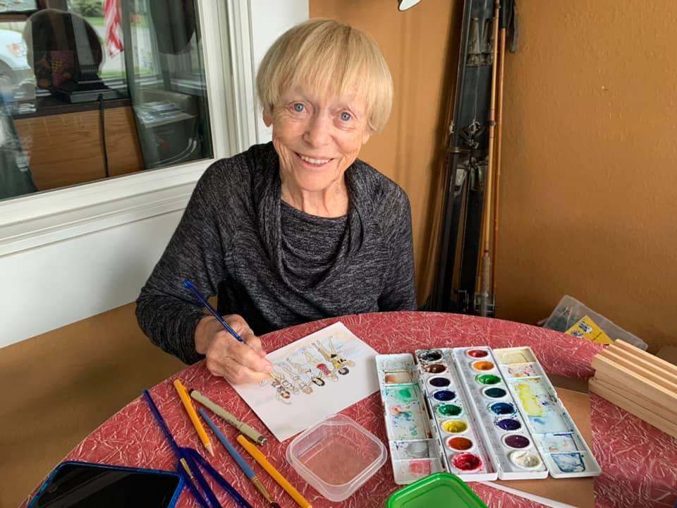 عجوز ناجية من كورونا ترسم لوحات لبث الأمل والفرح بالألوان المائية.. صور  (4)