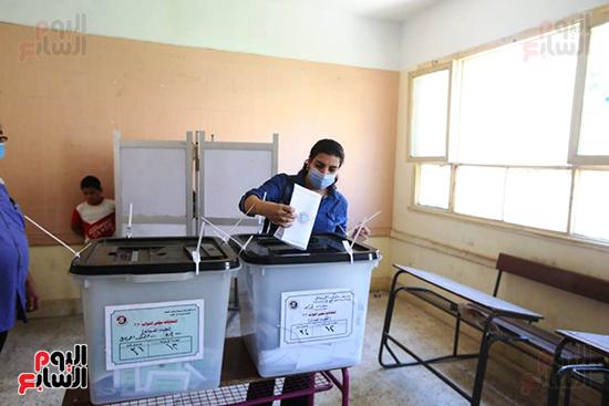 التصويت فى انتخابات مجلس النواب المرحله الثانيه (8)