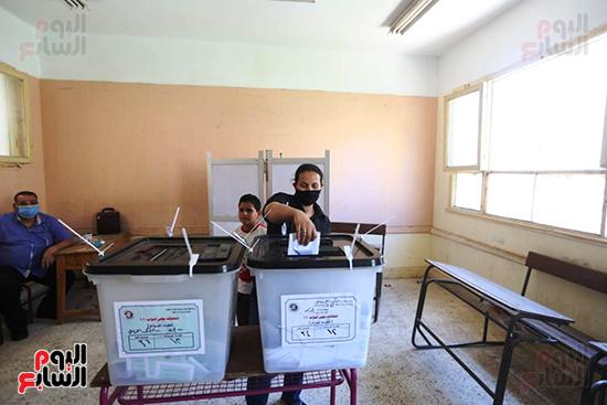 التصويت فى انتخابات مجلس النواب المرحله الثانيه (5)