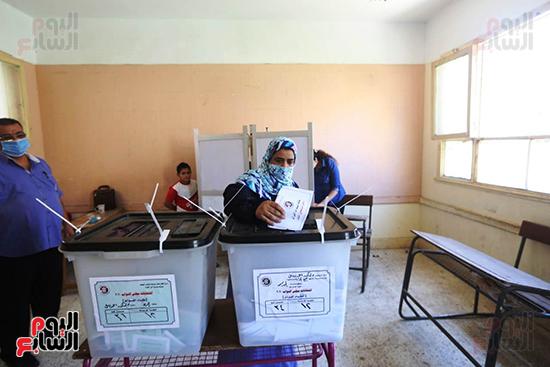 التصويت فى انتخابات مجلس النواب المرحله الثانيه (1)
