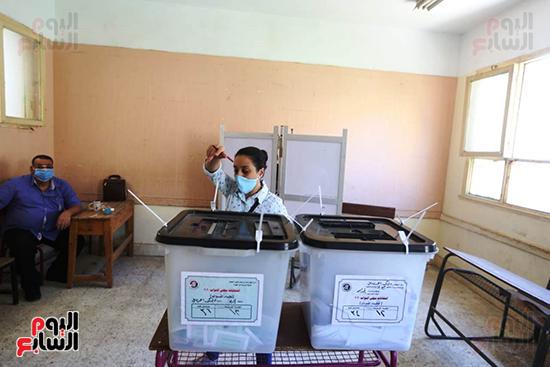 التصويت فى انتخابات مجلس النواب المرحله الثانيه (6)