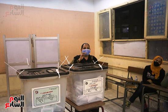 التصويت فى انتخابات مجلس النواب المرحله الثانيه (2)