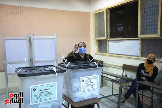 التصويت فى انتخابات مجلس النواب المرحله الثانيه (3)