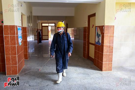 تعقيم المدارس (1)