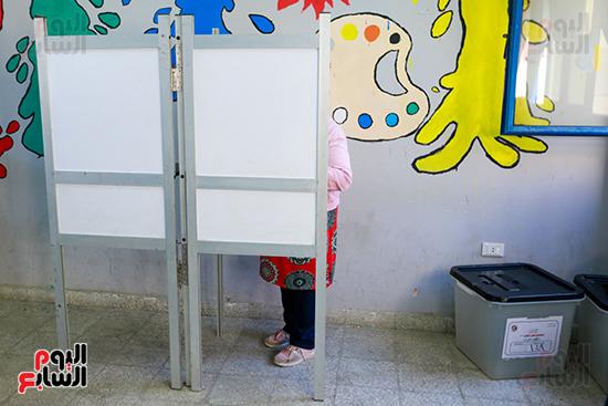 اليوم الثاني لانتخابات مجلس النواب  (16)