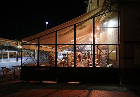 مطعم مغلق في وقت حظر التجول
