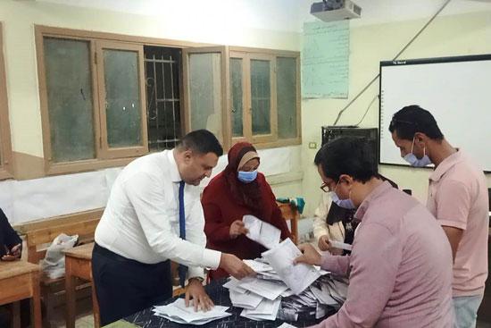 إغلاق لجان الانتخابات (1)