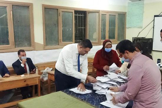 إغلاق لجان الانتخابات (5)
