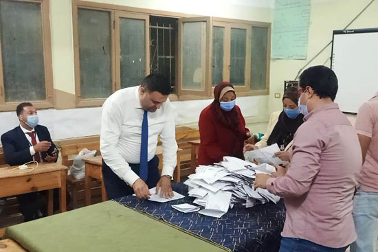 إغلاق لجان الانتخابات (2)