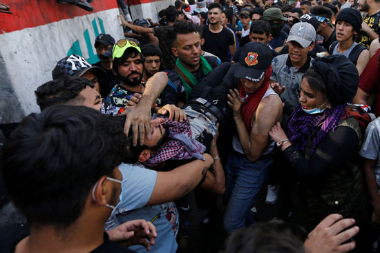 اندلاع مظاهرات جديدة وأعمال عنف بالعراق (1)