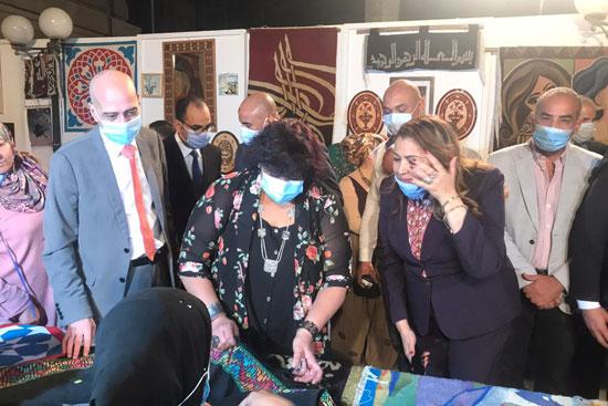وزيرة الثقافة تفتتح الدورة الـ13 لمهرجان الحرف التراثية  (8)